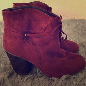 Women's Burgundy Red Ankle Booties Sz 9 EUC